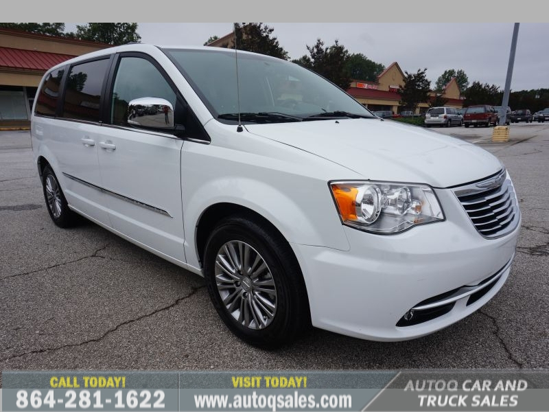 Chrysler Town & Country 2014 price $13,391