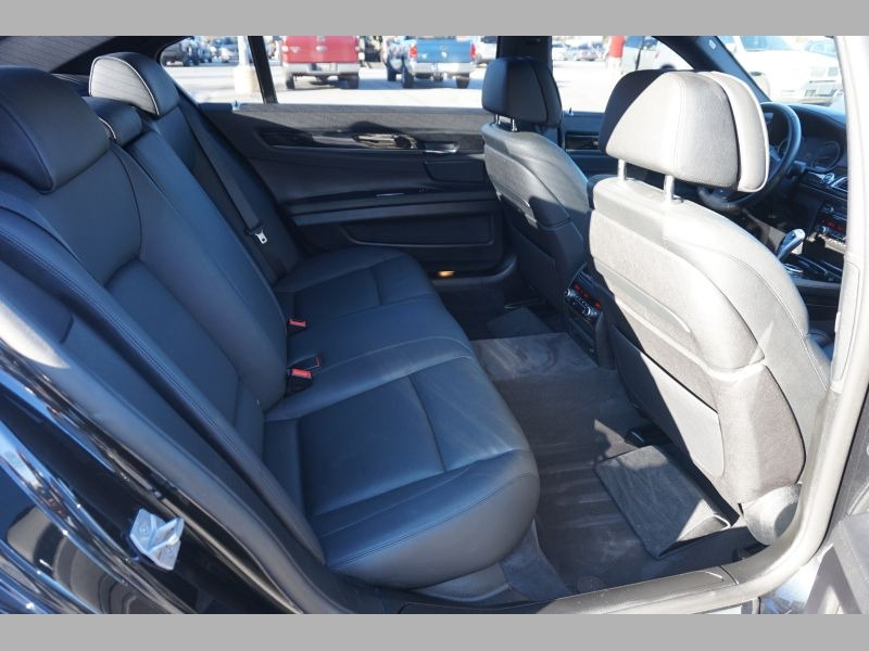 BMW 7-Series 2014 price $28,891