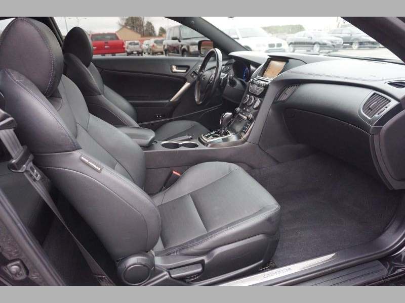 Hyundai Genesis Coupe 2015 price $23,991
