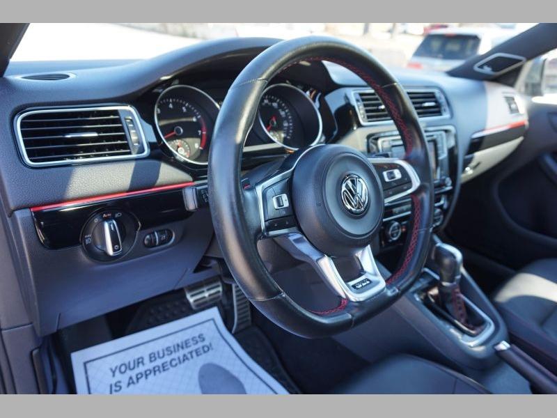 Volkswagen Jetta Sedan 2016 price $17,981