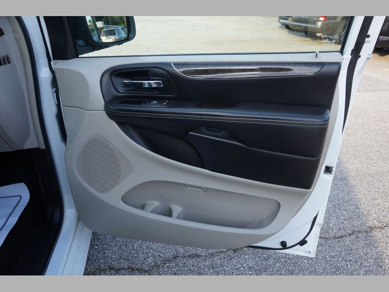 Chrysler Town & Country 2014 price $0