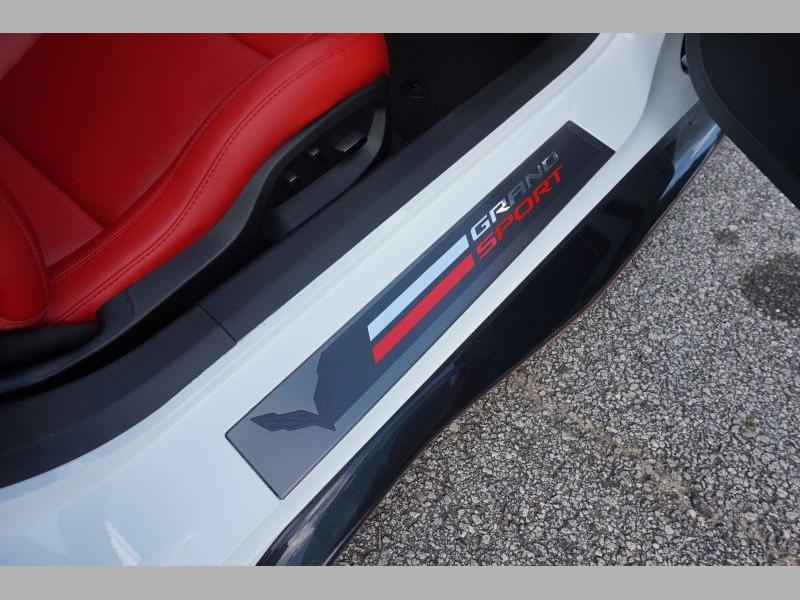 Chevrolet Corvette 2018 price $67,991