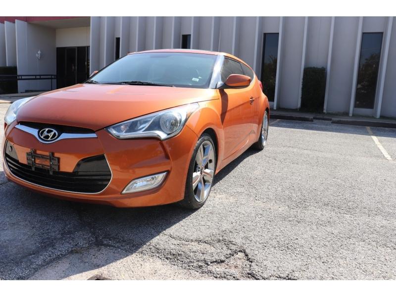 Hyundai Veloster 2012 price $8,900