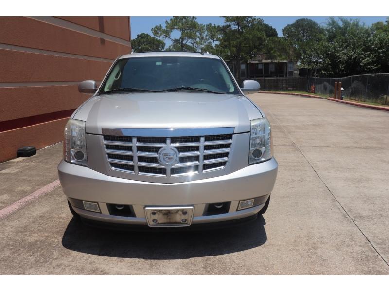 Cadillac Escalade 2010 price $15,900