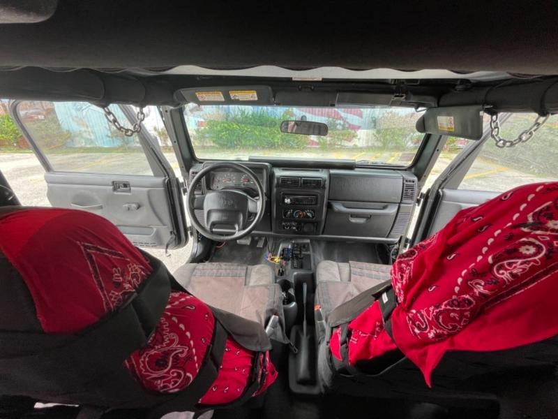 Jeep Wrangler 2004 price $9,995
