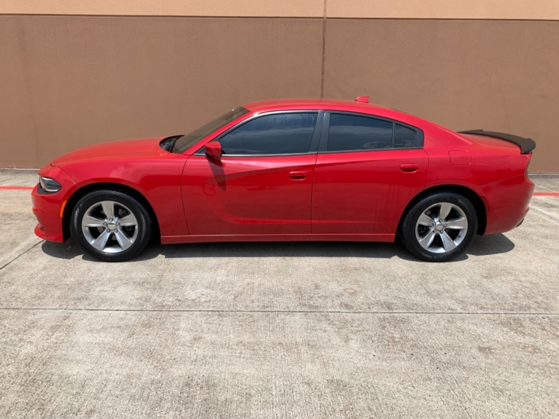 Dodge Charger 2015 price $15,995