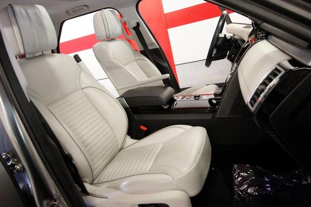 Land Rover Discovery 2017 price Call for Pricing.