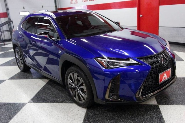 Lexus UX 2019 price $30,500