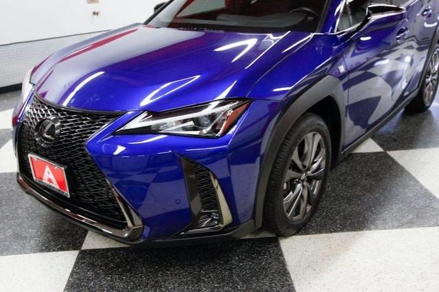 Lexus UX 2019 price $30,695