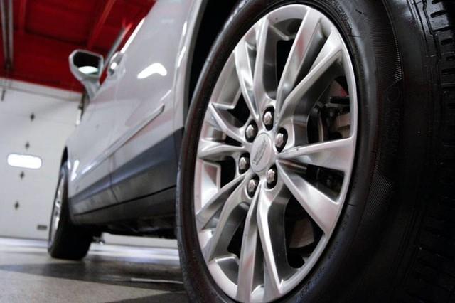 Cadillac XT5 2020 price $39,995
