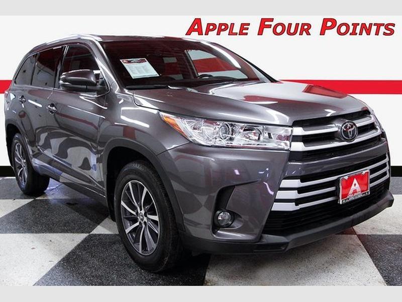 Toyota Highlander 2018 price $29,999
