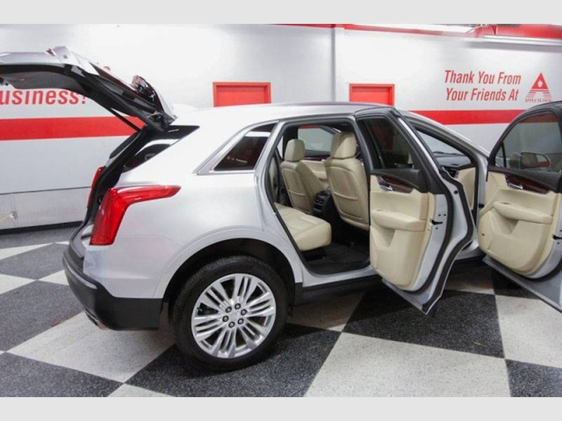 Cadillac XT5 2018 price $30,999