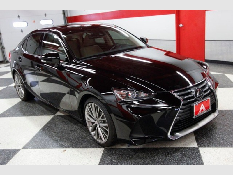 Lexus IS 200 2017 price $25,995