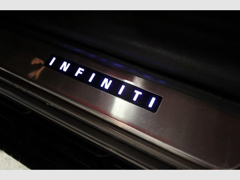 Infiniti QX80 2014 price $26,999