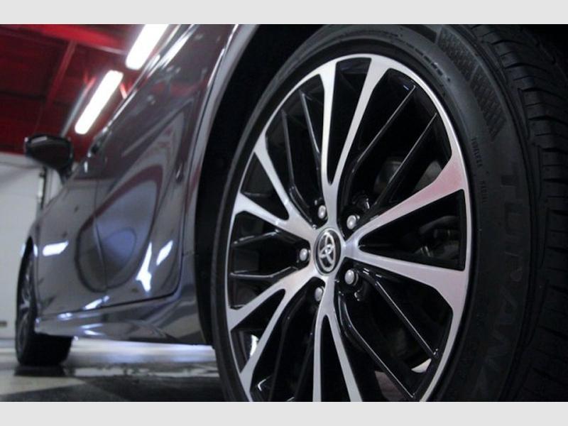 Toyota Camry 2020 price $26,999