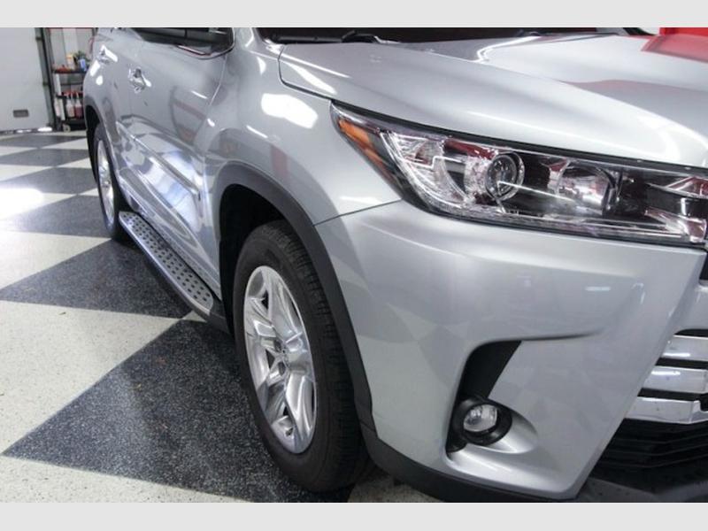 Toyota Highlander 2019 price $39,999