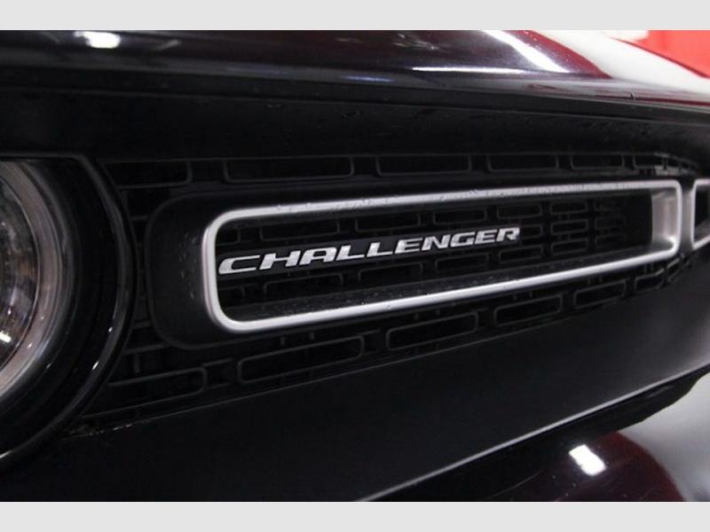 Dodge Challenger 2018 price $26,749