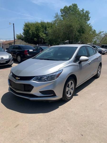 Chevrolet Cruze 2018 price $10,500