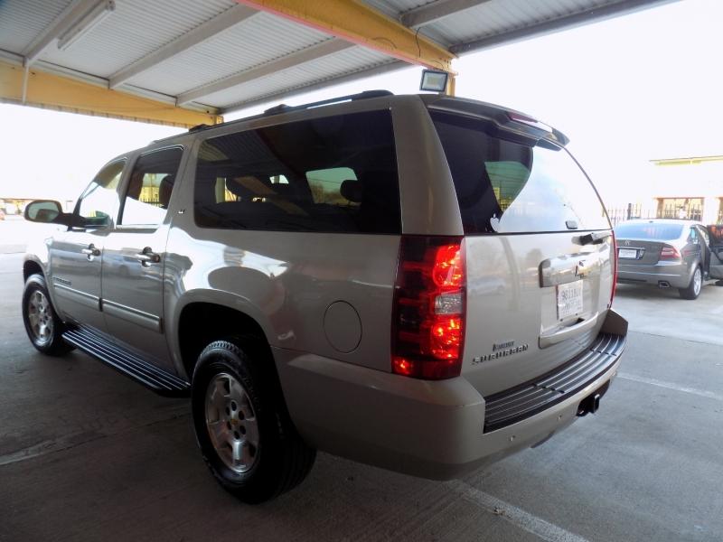 Chevrolet SUBURBAN LT 4WD 2009 price $8,200