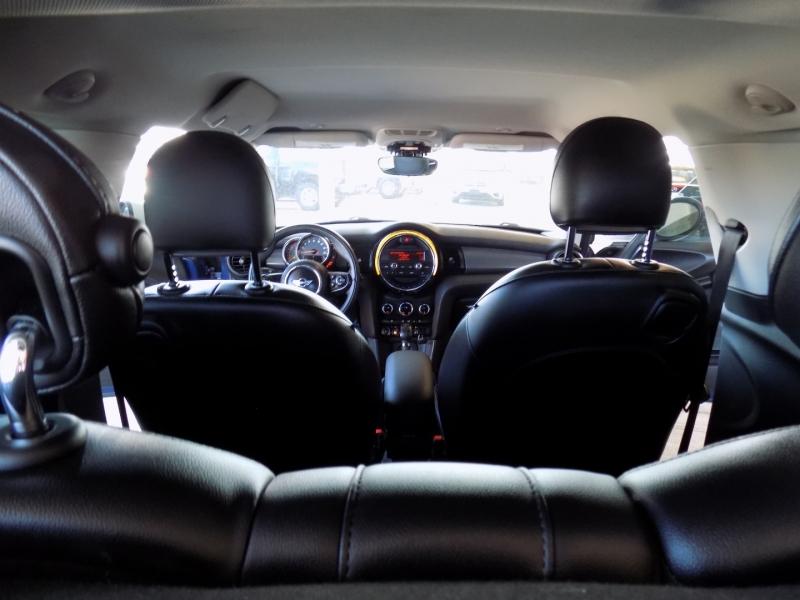 Mini Cooper Hardtop 2015 price $6,995