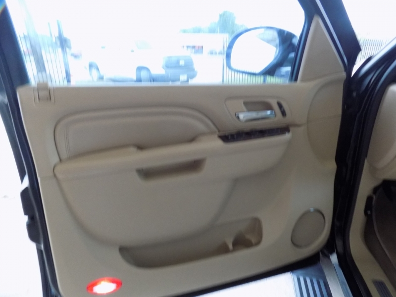 Cadillac Escalade Hybrid 2012 price $12,000