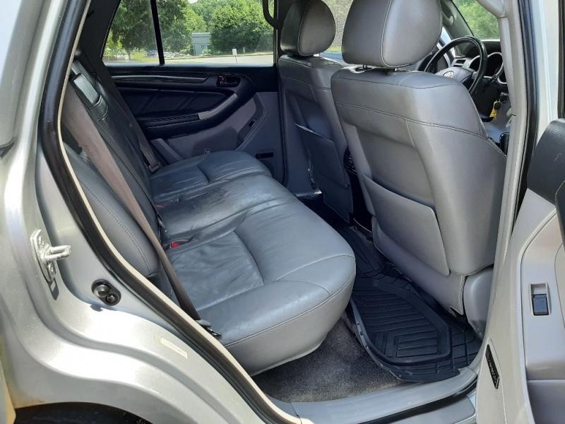 Toyota 4Runner 2005 price $7,600 Cash