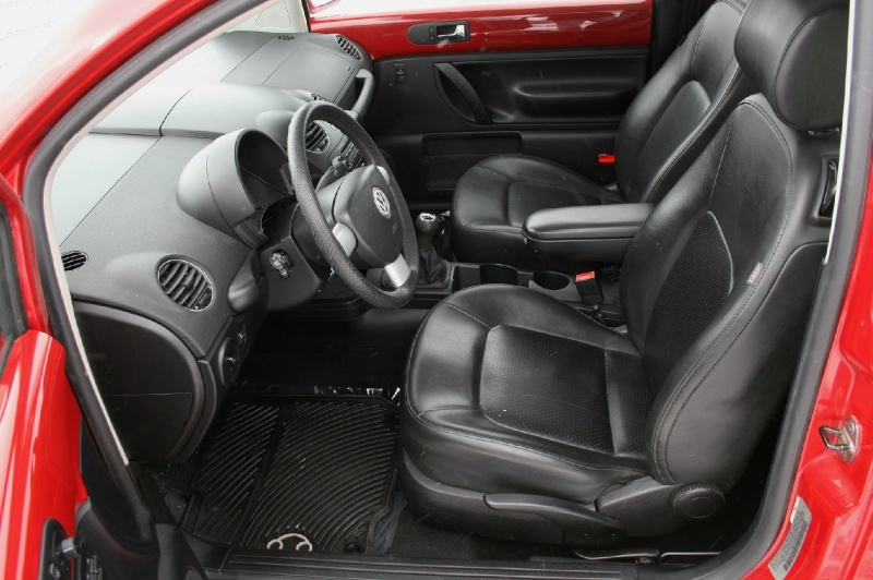 Volkswagen New Beetle Coupe 2008 price $4,299