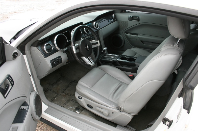 Ford Mustang 2007 price $4,999