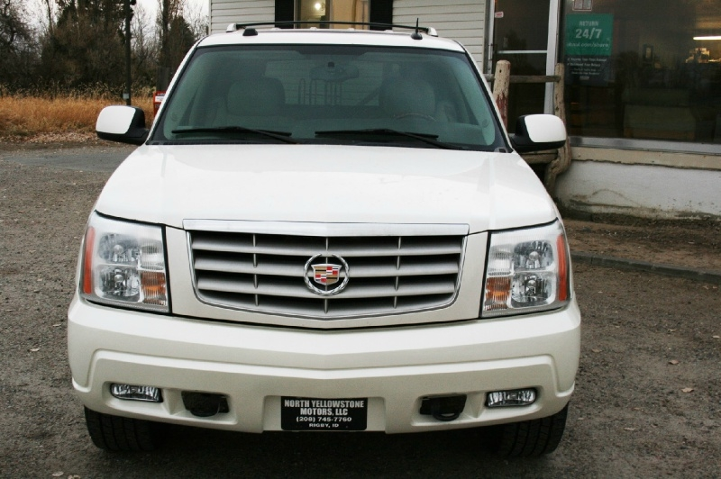 Cadillac Escalade 2005 price $7,999