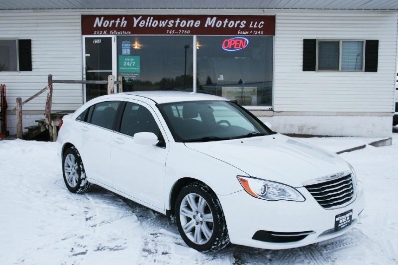 Chrysler 200 2013 price $4,999
