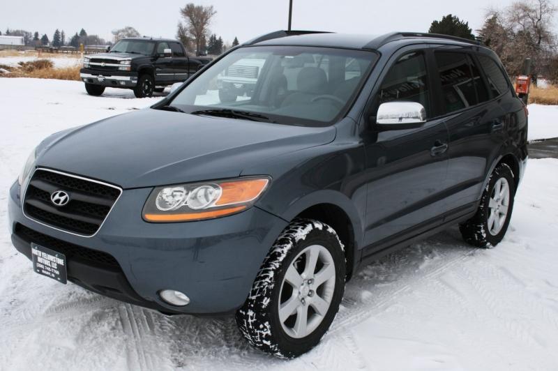 Hyundai Santa Fe 2009 price $4,399