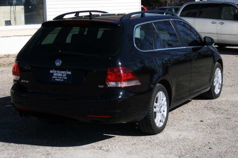 Volkswagen Jetta Wagon 2012 price $8,999