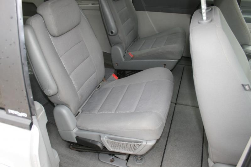 Dodge Grand Caravan 2009 price $2,850