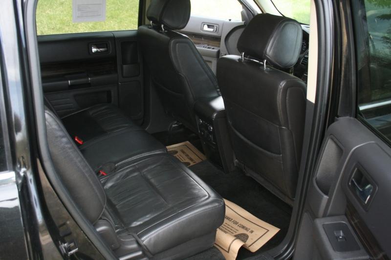 Ford Flex 2013 price $11,999