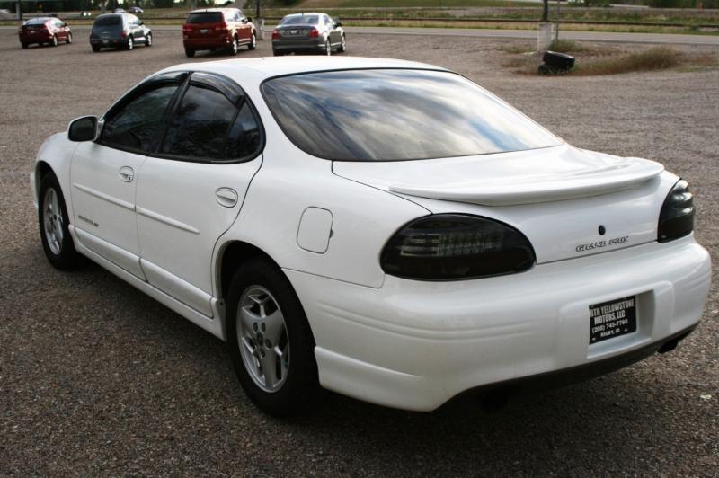Pontiac Grand Prix 2001 price $2,499
