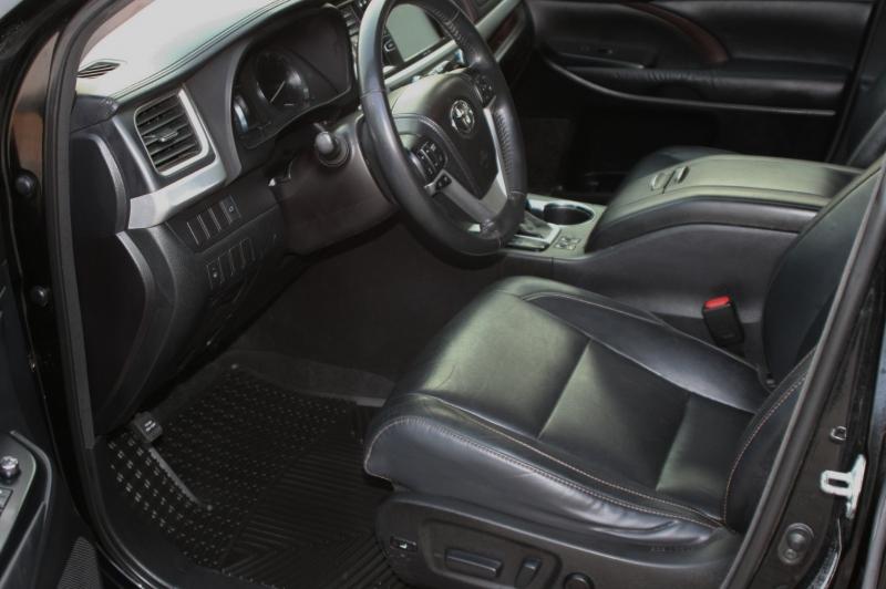Toyota Highlander 2014 price $23,999