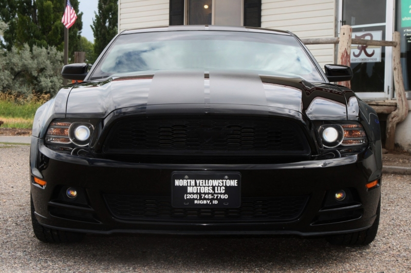 Ford Mustang 2014 price $15,999