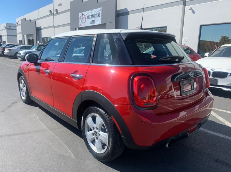 Mini Cooper Hardtop 4 Door 2016 price $12,900