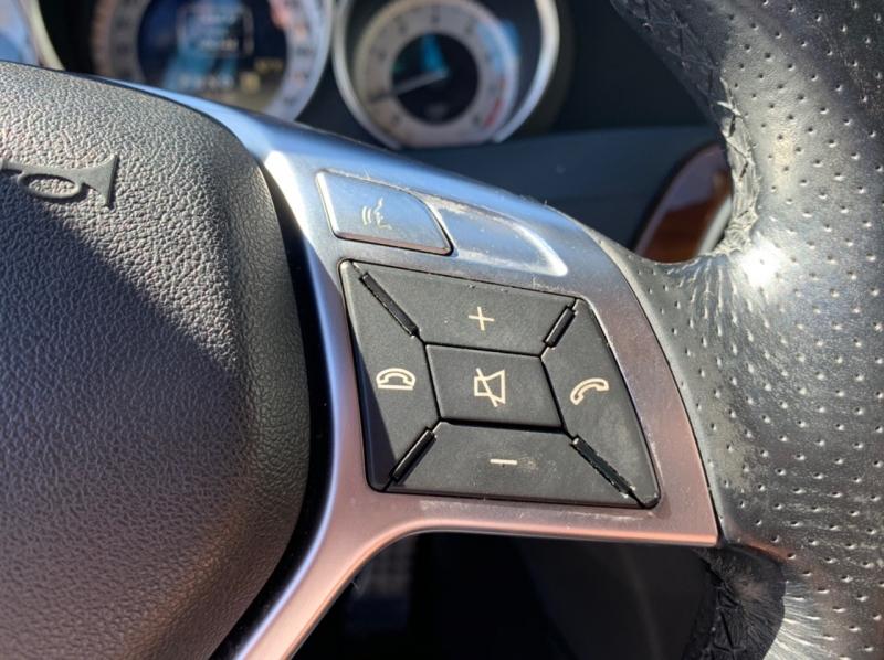 Mercedes-Benz C-Class 2012 price $8,900