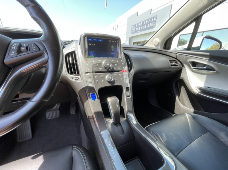 Chevrolet Volt 2014 price $10,900