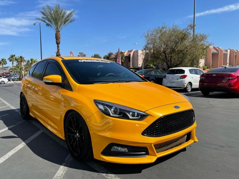 Ford Focus 2015 price $18,900