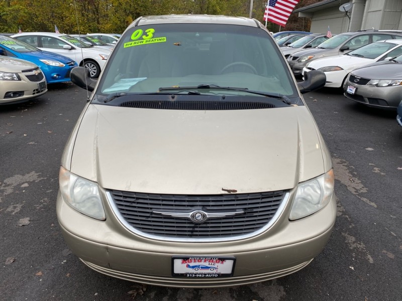 CHRYSLER TOWN & COUNTRY 2003 price $1,450