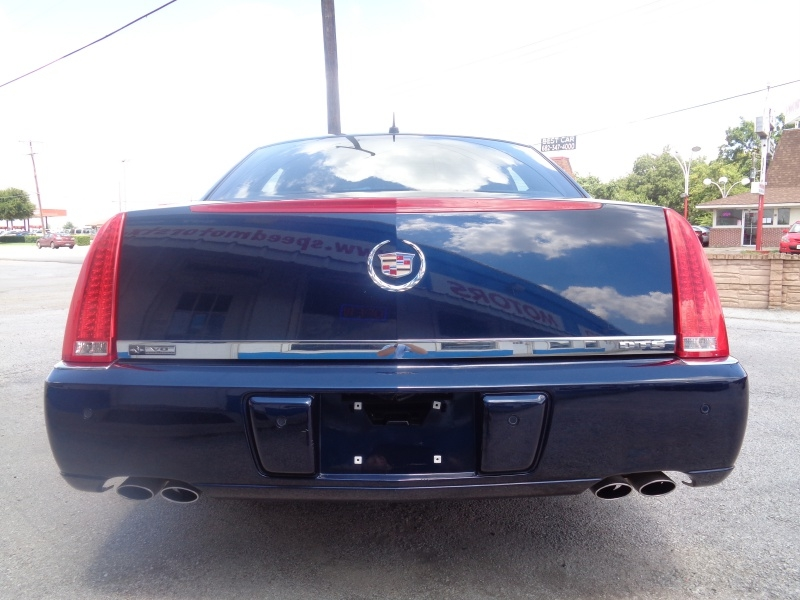 Cadillac DTS 2006 price $7,497