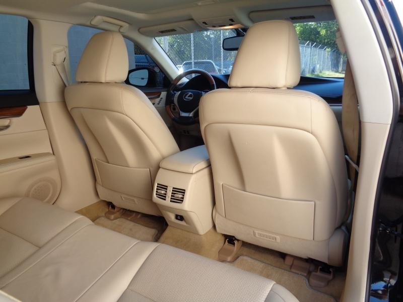 Lexus ES 300h 2014 price $17,297