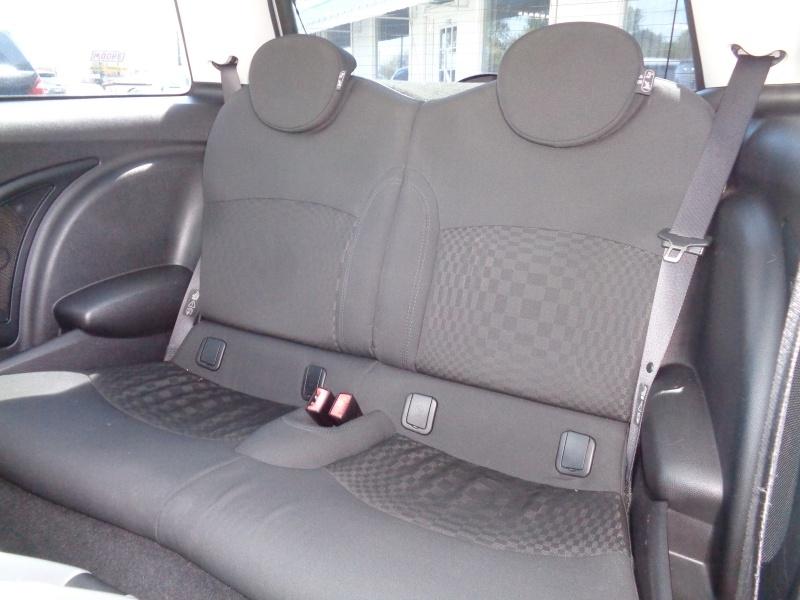Mini Cooper Hardtop 2009 price $7,797