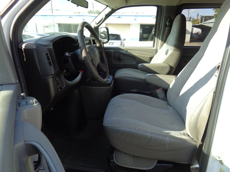 Chevrolet Express Passenger 2007 price $12,297