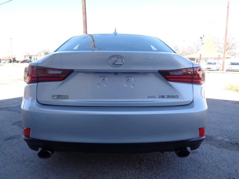 Lexus IS 250 2015 price $18,797