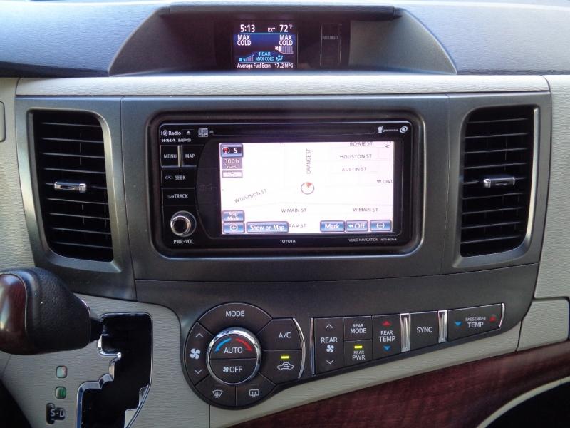 Toyota Sienna 2013 price $17,497