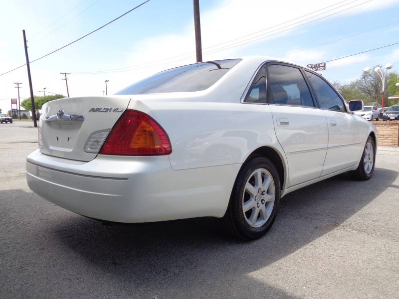 Toyota Avalon 2000 price $7,997