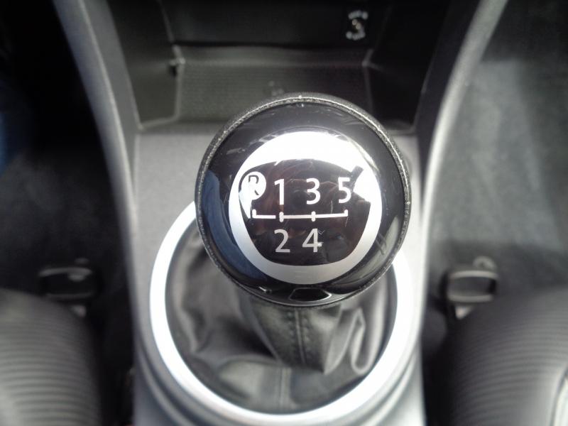 Volkswagen Beetle 2012 price $8,997